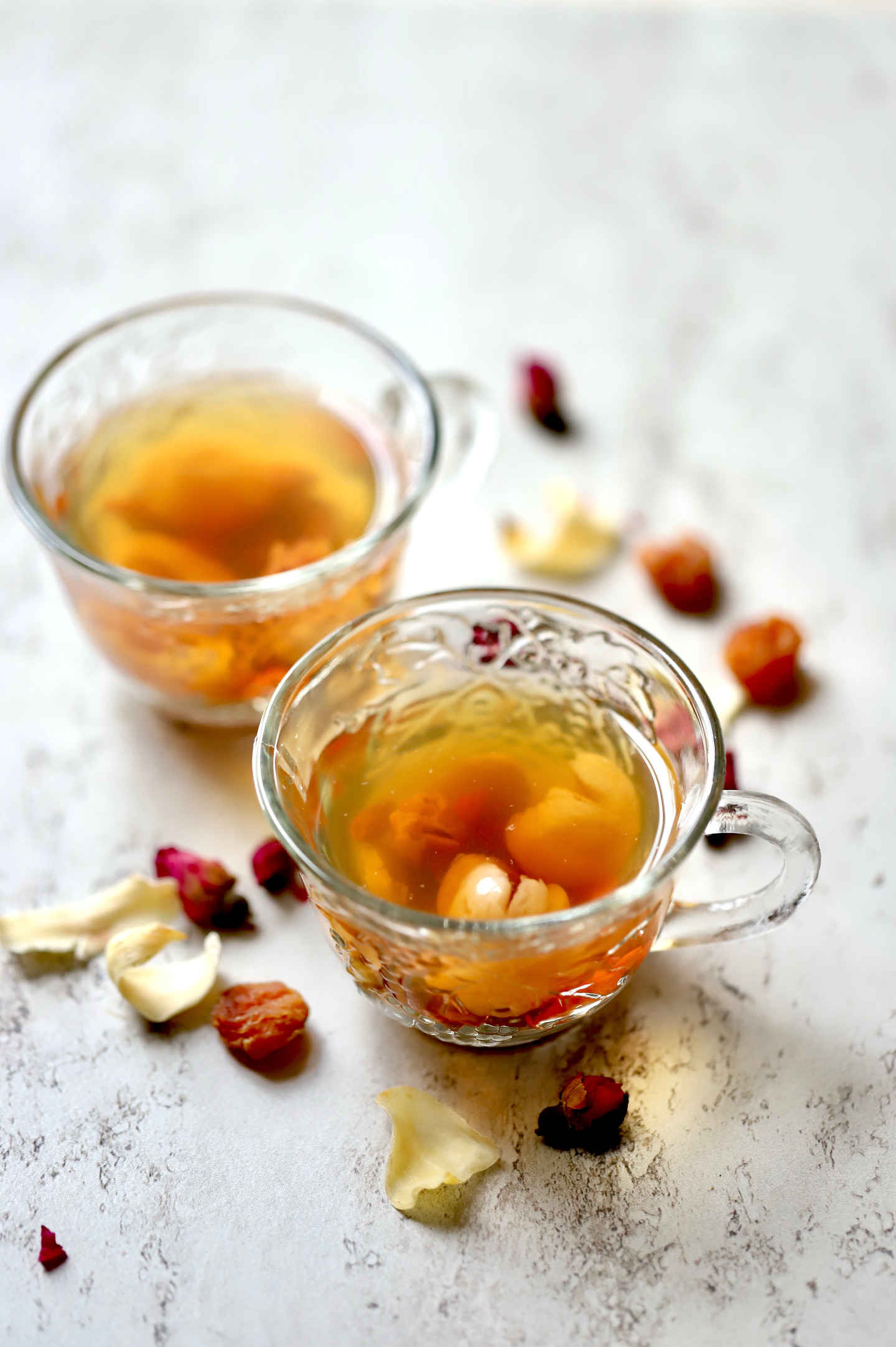 2 cups of calming tea made from Chinese fruits and flowers